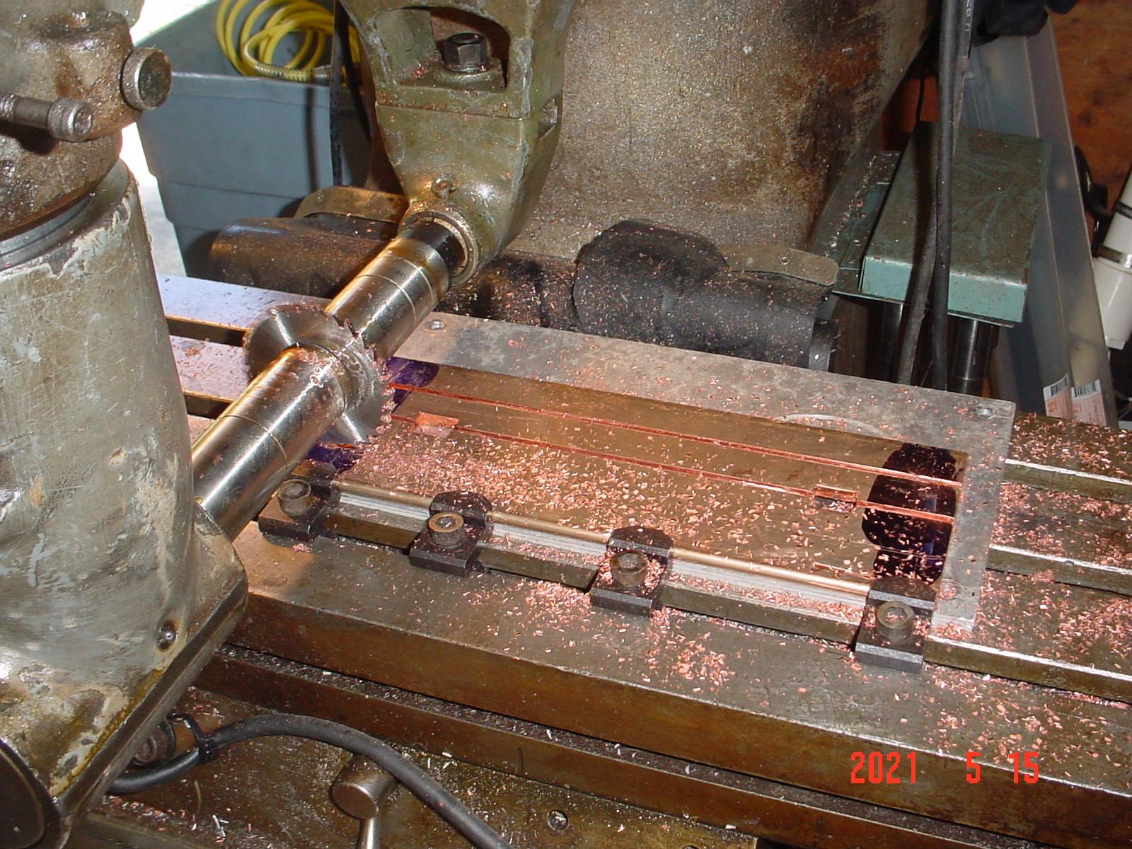 f_cuttingcopperbusbarcopy.jpg