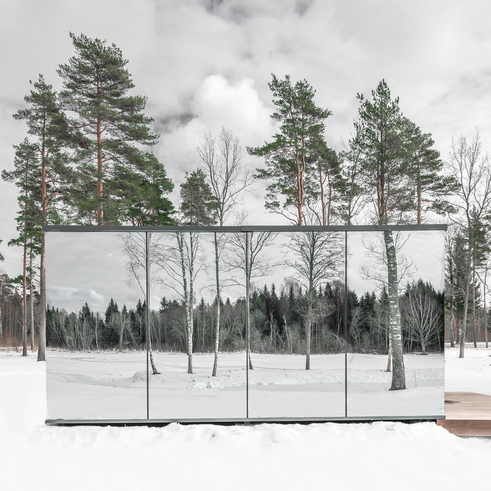 just-outside-estonia-is-the-ood-hotel-a-prefabricated-mirrored-house-that-can-be-plunked-down-...jpg